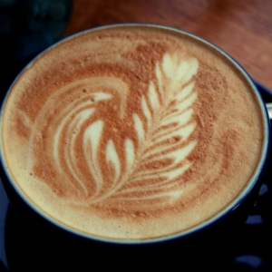 vegane latte art im cafè Marae